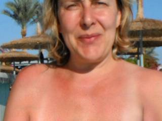 Nude on holiday to attract guys for a threesome